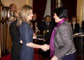 La médica archenera Encarna Guillén recibió ayer en el Senado de manos de SAR la Princesa de Asturias el Premio Especial Autonómico de FEDER