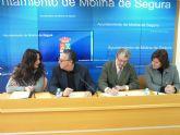 Firman un convenio para el fomento del comercio minorista mediante la aplicación de ventajas a las familias numerosas