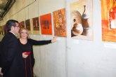 """Inaugurada la exposición del sexto aniversario del Colectivo """"ELLE ACyT"""" de mujeres pintoras de Torre-Pacheco"""