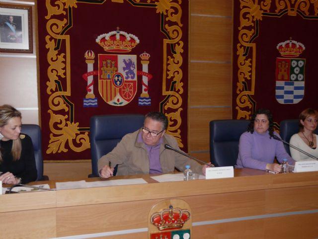 El Ayuntamiento de Molina de Segura firma convenios con las Asociaciones de Madres y Padres de Alumnos de 19 colegios - 2, Foto 2