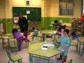 Medio centenar de niños estrenan cole