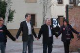 Cerca de 2.000 de empleados p�blicos rodean con una cadena humana el palacio y jard�n de San Esteban