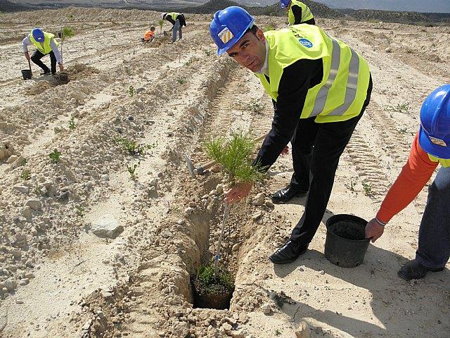 La Comunidad y Afarem muestran a los escolares el desarrollo de la actividad minera respetuosa con el medio ambiente - 1, Foto 1