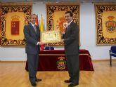 El Alcalde de Archena entrega  la Medalla de Oro de la Villa al Balneario de Archena