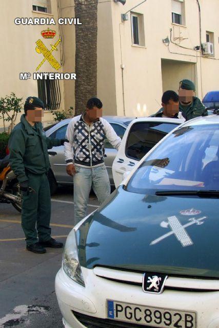 La Guardia Civil detiene a dos personas por el atraco a un establecimiento en El Albujón - 1, Foto 1