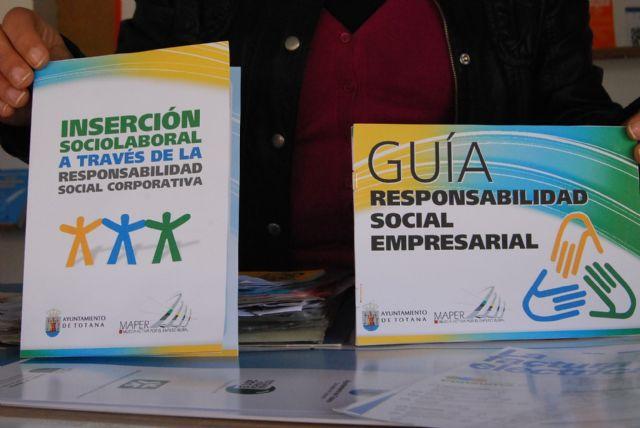 Los ciudadanos de Totana reciben información sobre comercio y consumo responsable con el fin de proteger el medio ambiente - 2, Foto 2