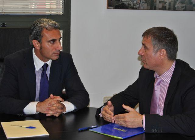 El Ayuntamiento de Beniel y Telefónica firman un convenio para facilitar a los ciudadanos el acceso a la Sociedad de la Información - 1, Foto 1