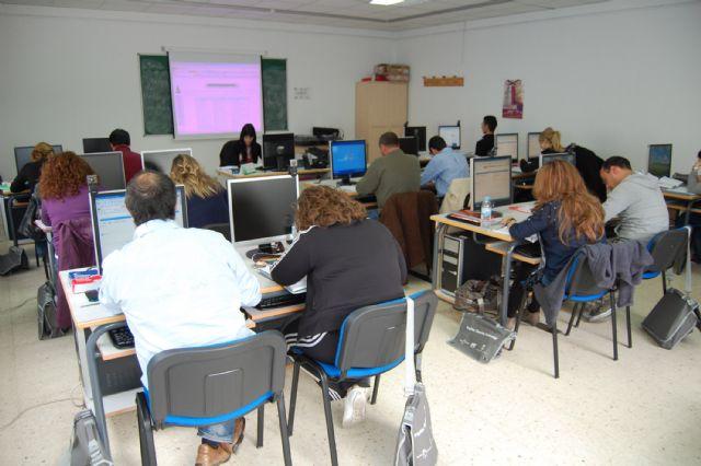 15 alumnos aprenden en Las Torres de Cotillas inglés de gestión comercial - 1, Foto 1