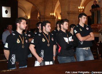 Los Subcampeones de España Junior ofrecen el trofeo a la Stma. y Vera Cruz - 5, Foto 5