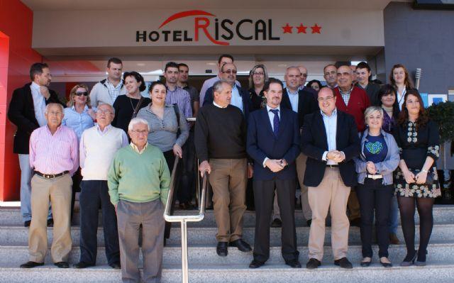 Carlos Iturgaiz se reúne con la Junta Directiva del Partido Popular de Puerto Lumbreras - 1, Foto 1
