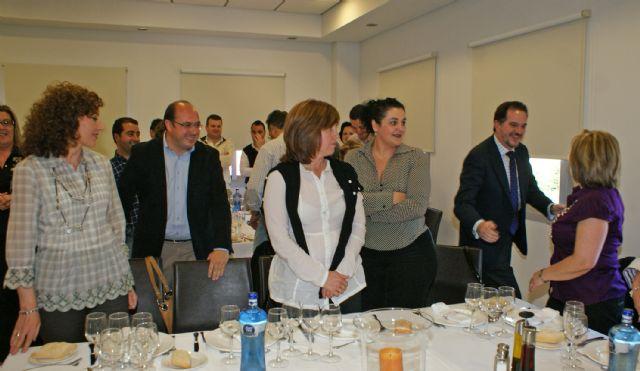 Carlos Iturgaiz se reúne con la Junta Directiva del Partido Popular de Puerto Lumbreras - 2, Foto 2