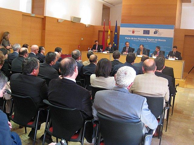 Murcia es la primera comunidad en la que todos sus municipios suscriben el Pacto de los Alcaldes promovido por la Comisión Europea, Foto 1