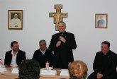 Mons. Lorca Planes bendice la nueva sede de Cáritas de la parroquia de Nuestra Señora del Rosario de Bullas