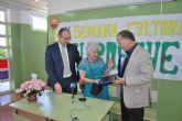 La biznieta de Ricardo y Codorn�u visita el colegio que lleva su nombre