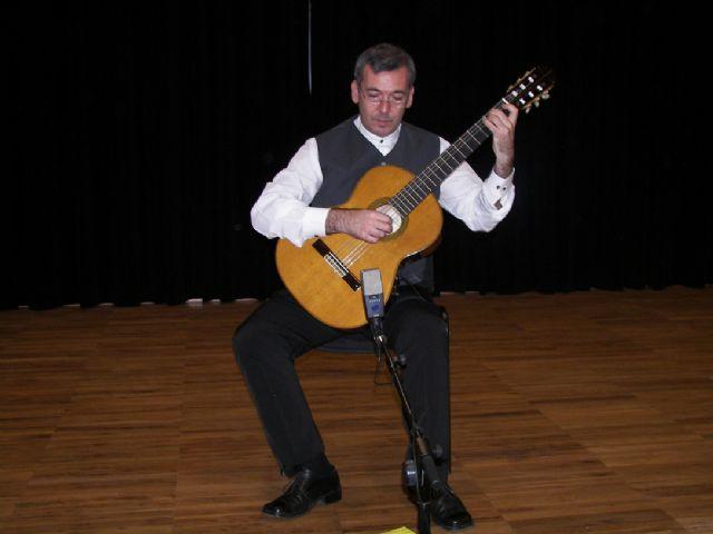 El especialista Baranzano clausuró ayer el curso de Perfeccionamiento de Guitarra en la Nueva Escuela de Música - 1, Foto 1