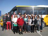 Los participantes en el taller de Búsqueda Activa de Empleo visitan las dependencias de personal de Ikea