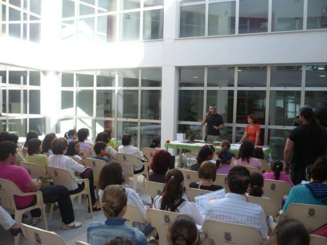 La Biblioteca municipal festeja durante toda la semana el Día del Libro con un programa que incluye una manifestación a favor de la lectura - 1, Foto 1