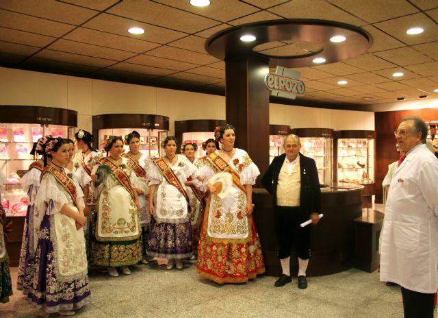 ELPOZO ALIMENTACIÓN recibe a la Reina de la Huerta 2011 y a sus damas, Foto 1