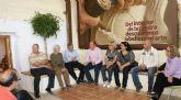 El Alcalde se reúne con artesanos lumbrerenses en la Casa Taller del Artesano
