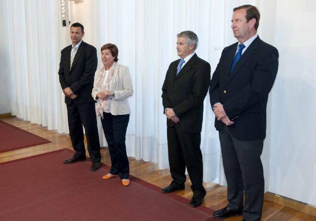 La alcaldesa recibió a las delegaciones del Campeonato de España de Voleibol - 5, Foto 5
