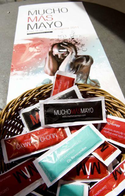Pequeños sorbos de poesía, para promocionar el festival Mucho Más Mayo - 1, Foto 1