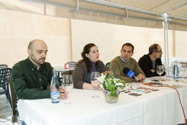 Pequeños sorbos de poesía, para promocionar el festival Mucho Más Mayo - 3, Foto 3