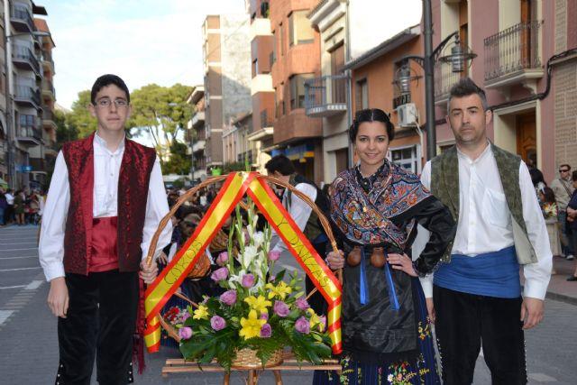 El Cristo procesionó el sábado por las calles de Jumilla y el domingo cientos de jumillanos participaron en la ofrenda de flores - 2, Foto 2