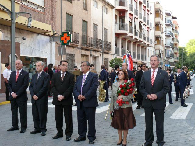 El Cristo procesionó el sábado por las calles de Jumilla y el domingo cientos de jumillanos participaron en la ofrenda de flores - 3, Foto 3