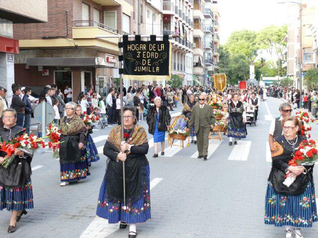 El Cristo procesionó el sábado por las calles de Jumilla y el domingo cientos de jumillanos participaron en la ofrenda de flores - 4, Foto 4