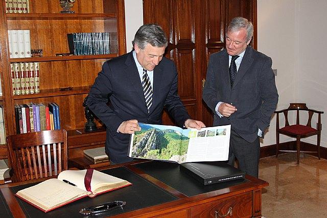 Valcárcel firmará un convenio con la Comisión Europea para apoyar la movilidad de las pymes murcianas - 1, Foto 1