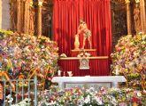 El Cristo procesionó el sábado por las calles de Jumilla y el domingo cientos de jumillanos participaron en la ofrenda de flores