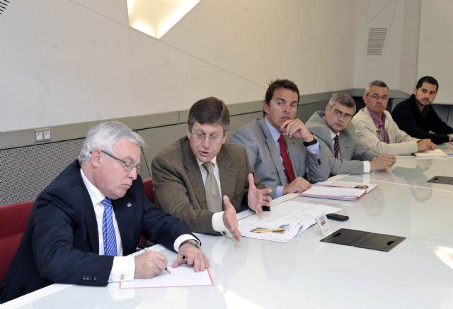 Juan Bernal reclama un papel protagonista de la Universidad de Murcia en el modelo productivo de la Región - 1, Foto 1