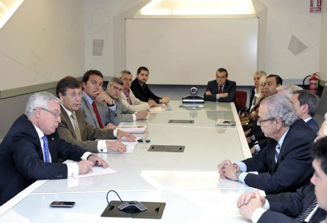 Juan Bernal reclama un papel protagonista de la Universidad de Murcia en el modelo productivo de la Región - 2, Foto 2