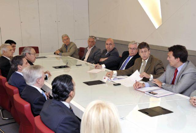 Juan Bernal reclama un papel protagonista de la Universidad de Murcia en el modelo productivo de la Región - 3, Foto 3