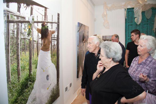 Visita ´Jardín prohibido´ y ´Deseando amar´ en Casas Consistoriales - 1, Foto 1