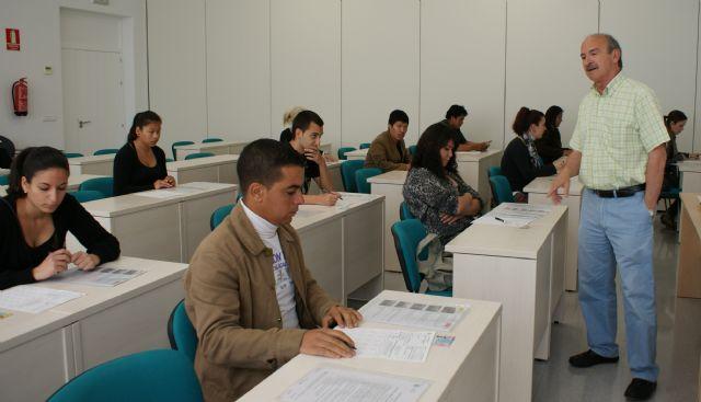 El Centro de Emprendedores de Puerto Lumbreras se convierte en sede provisional de los exámenes teóricos de conducir de la Comarca del Guadalentín, Foto 1
