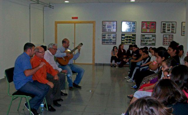 Más de 200 escolares  de Puerto Lumbreras han participado  en la ´XVIII Campaña de Divulgación del Trovo en los Centros Escolares de la Región´ - 2, Foto 2