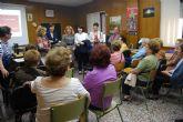 La candidata del PP a la alcaldía expone a las amas de casa propuestas en materia de mujer para los próximos años