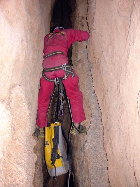 El Centro de Estudios de la Naturaleza y el Mar (CENM) presenta al Ayuntamiento los resultados de su investigación sobre las cuevas de Alhama, Foto 1