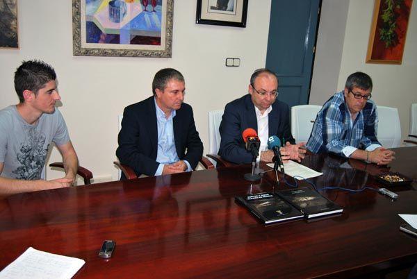 El Centro de Estudios de la Naturaleza y el Mar (CENM) presenta al Ayuntamiento los resultados de su investigación sobre las cuevas de Alhama, Foto 3