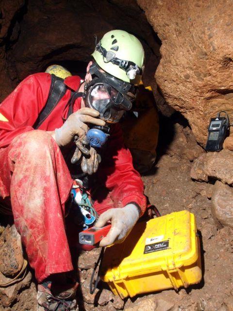 El Centro de Estudios de la Naturaleza y el Mar (CENM) presenta al Ayuntamiento los resultados de su investigación sobre las cuevas de Alhama, Foto 5