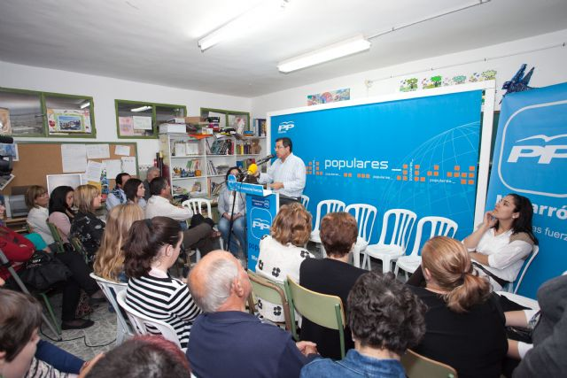 Leiva acompaña al Partido Popular pese a la lluvia - 1, Foto 1