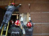Bomberos de Cartagena continúan trabajando en Lorca