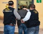 La Guardia Civil ha detenido a dos personas dedicadas a cometer robos en casas de campo