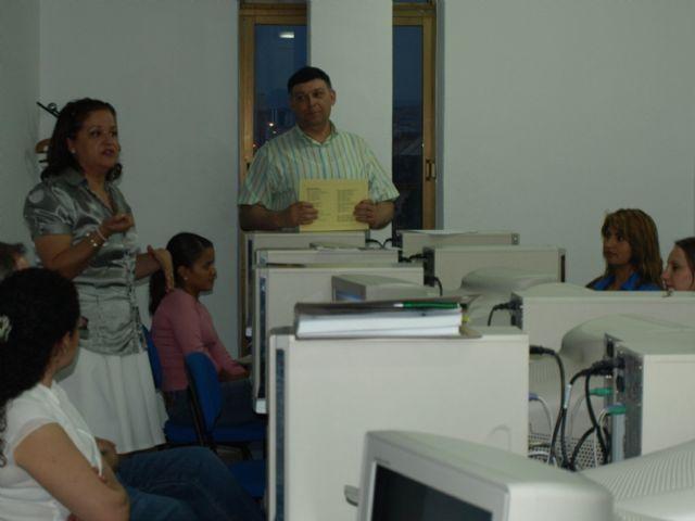 Concluye el curso formativo gratuito Iniciación a Office 2007 dirigido a comerciantes, autónomos y desempleados de Alguazas - 3, Foto 3