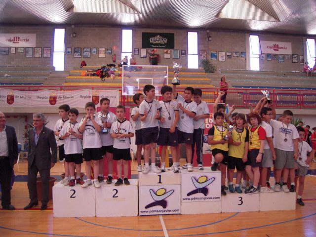 El equipo de balonmano cadete femenino del colegio Fahuarán, campeón regional - 1, Foto 1