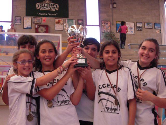 El equipo de balonmano cadete femenino del colegio Fahuarán, campeón regional - 2, Foto 2