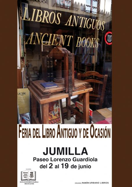 La Biblioteca Pública Municipal ha organizado una Feria del Libro Antiguo y de Ocasión - 1, Foto 1