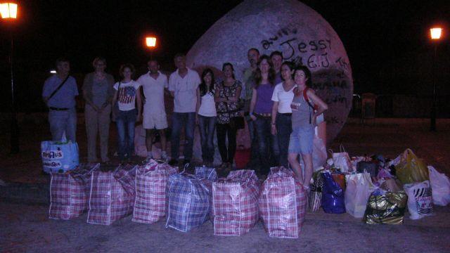 La ONG Anike-Voluntarios viaja a la Región de los Grandes Lagos para realizar reparto de ropa infantil, Foto 1