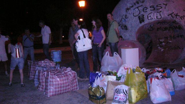 La ONG Anike-Voluntarios viaja a la Región de los Grandes Lagos para realizar reparto de ropa infantil, Foto 2